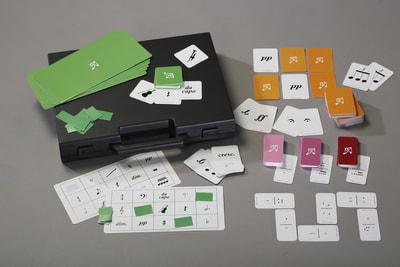 Julehygge med elever? Ungerne elsker at spille Memory, Domino eller Bingo (husk præmier :-)) når der skal julehygges med flere.